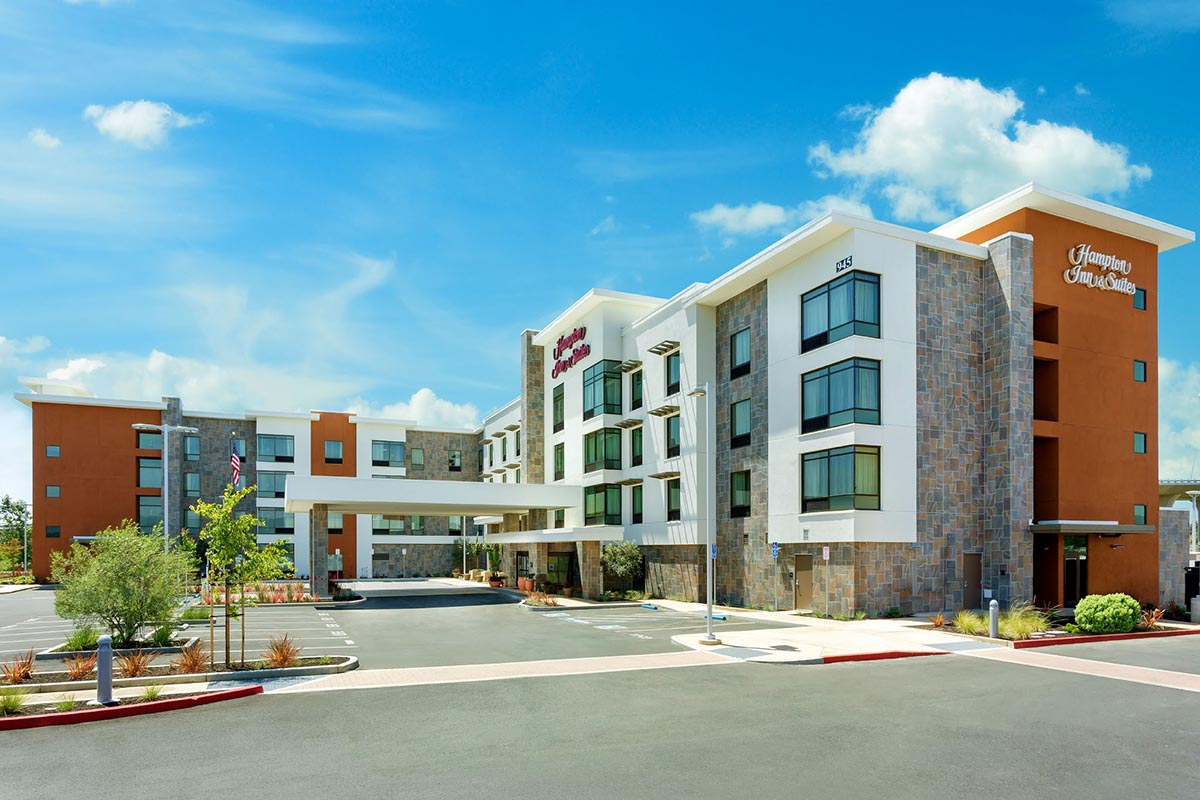 Hampton-Inn-Suites-Napa-California-Modern-Exterior